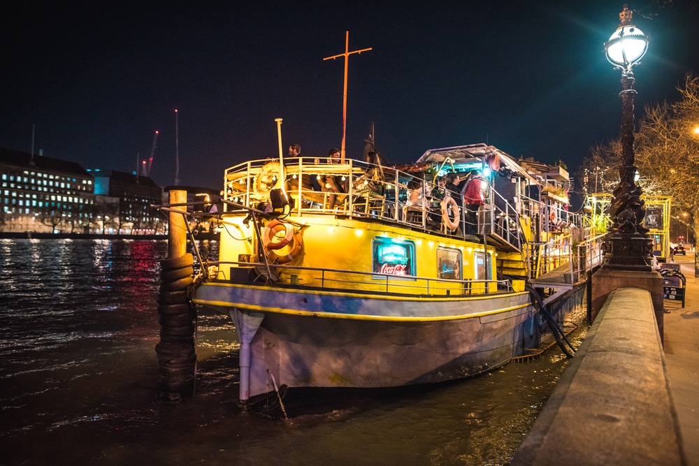 a-swinging-jazz-night-is-coming-to-london's-fabulous-floating-bar-this-summer