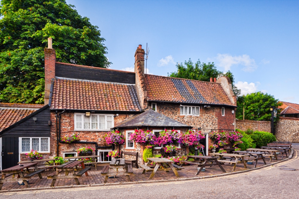 15-of-the-oldest-pubs-in-the-uk-and-the-fascinating-stories-behind-them