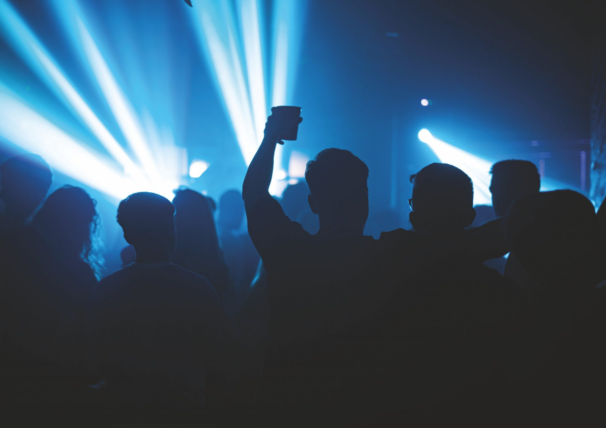 nightclubs-could-return-if-dancers-wear-face-masks-on-the-dancefloor,-report-says