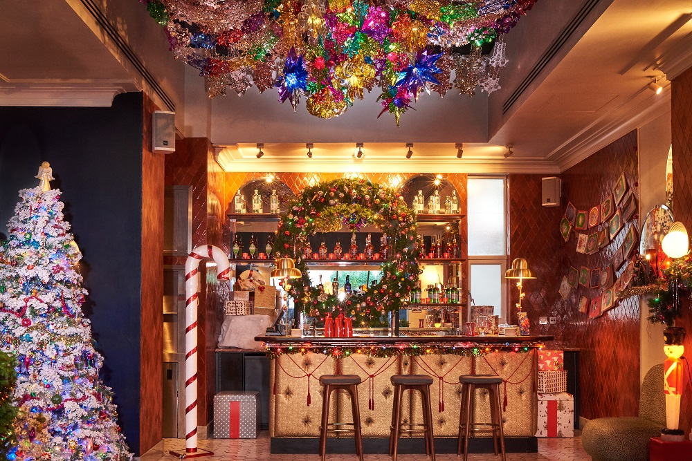 this-insanely-christmassy-cocktail-bar-will-return-to-london-in-november